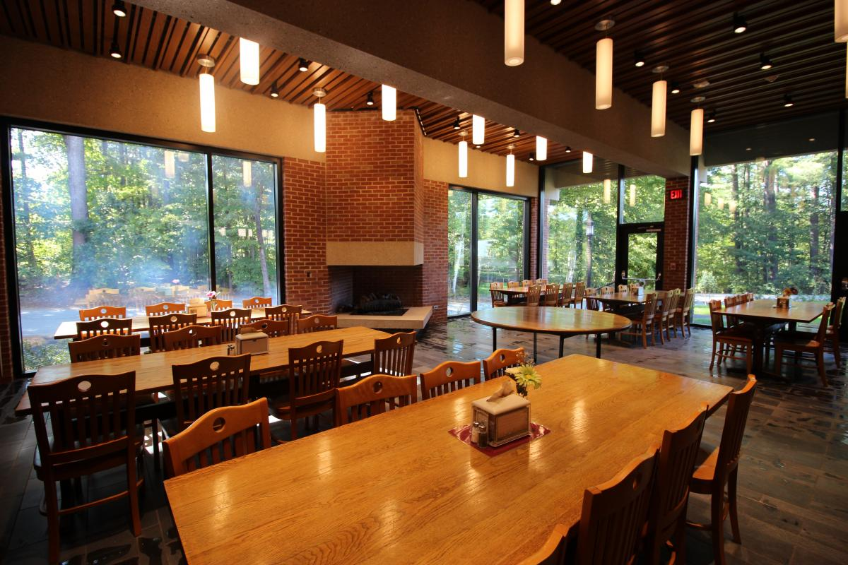 St. Paul's School Ohrstrom Library & Coit Dining Hall